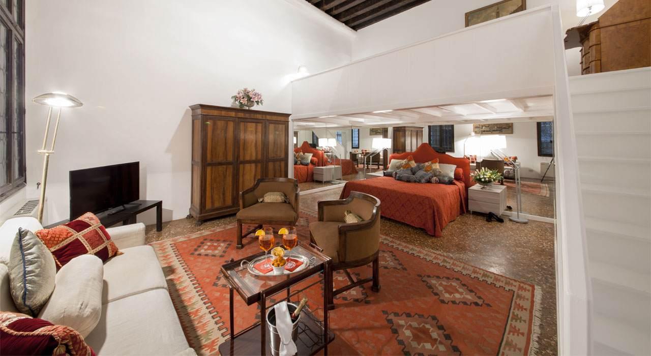 Venetian-Apartments